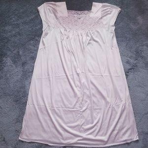 Vanity Fair Light Pink Nightgown :Large